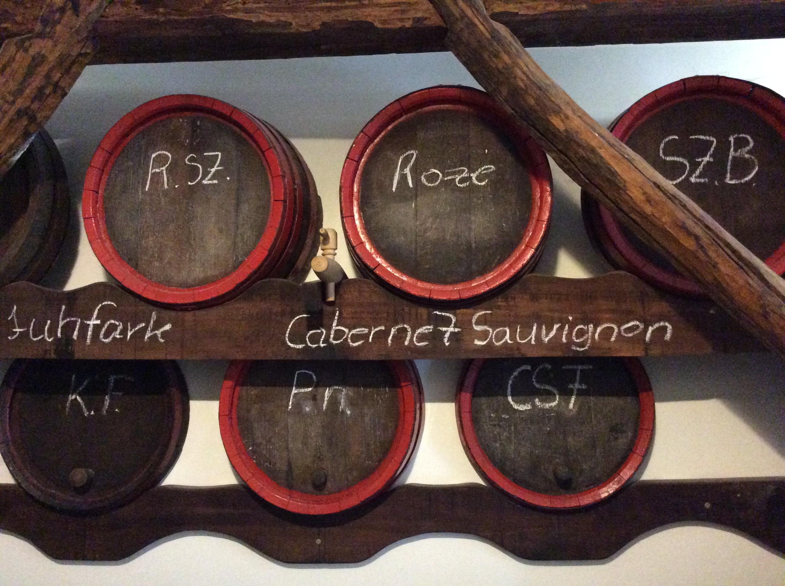 Pubtourist-heviz-borpatika-barrels