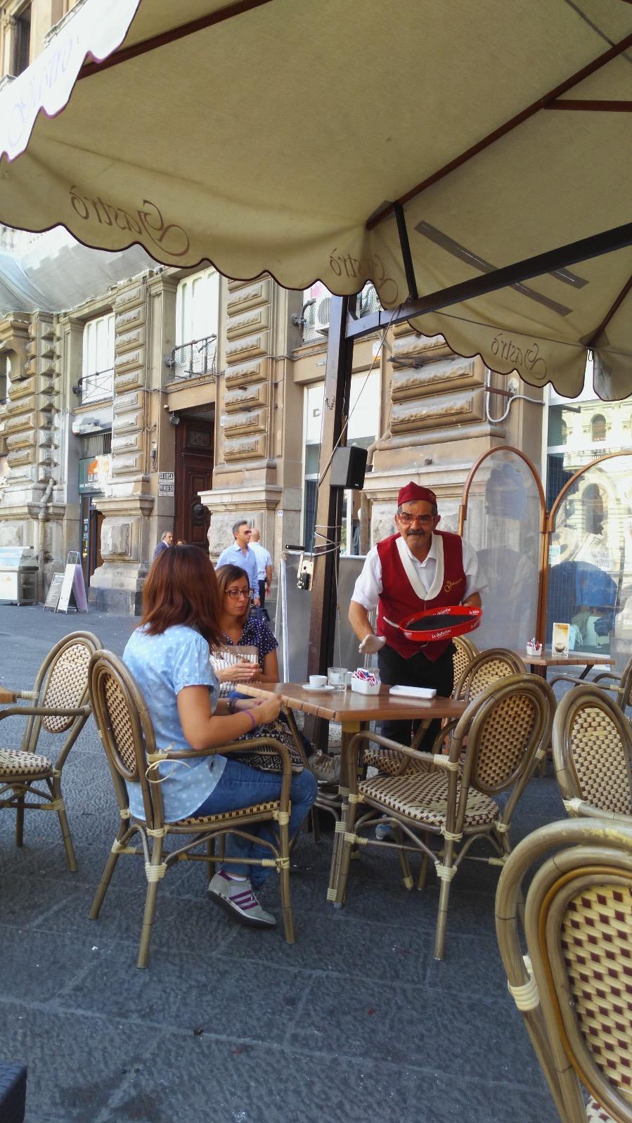 pubtourist-naples-terrace-coffee