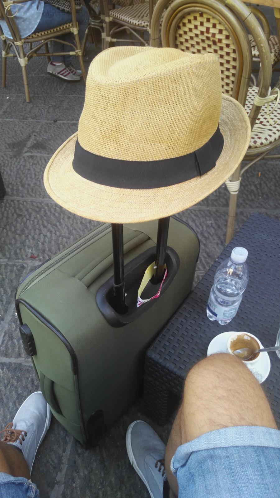 pubtourist_naples_hat_pubcrawl