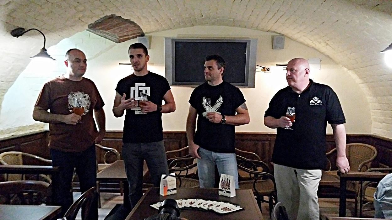 pubtourist_ogre_bacsi_opening_team