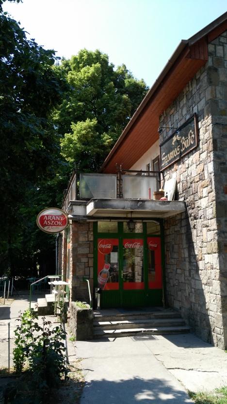 pubtourist_szarvas_building