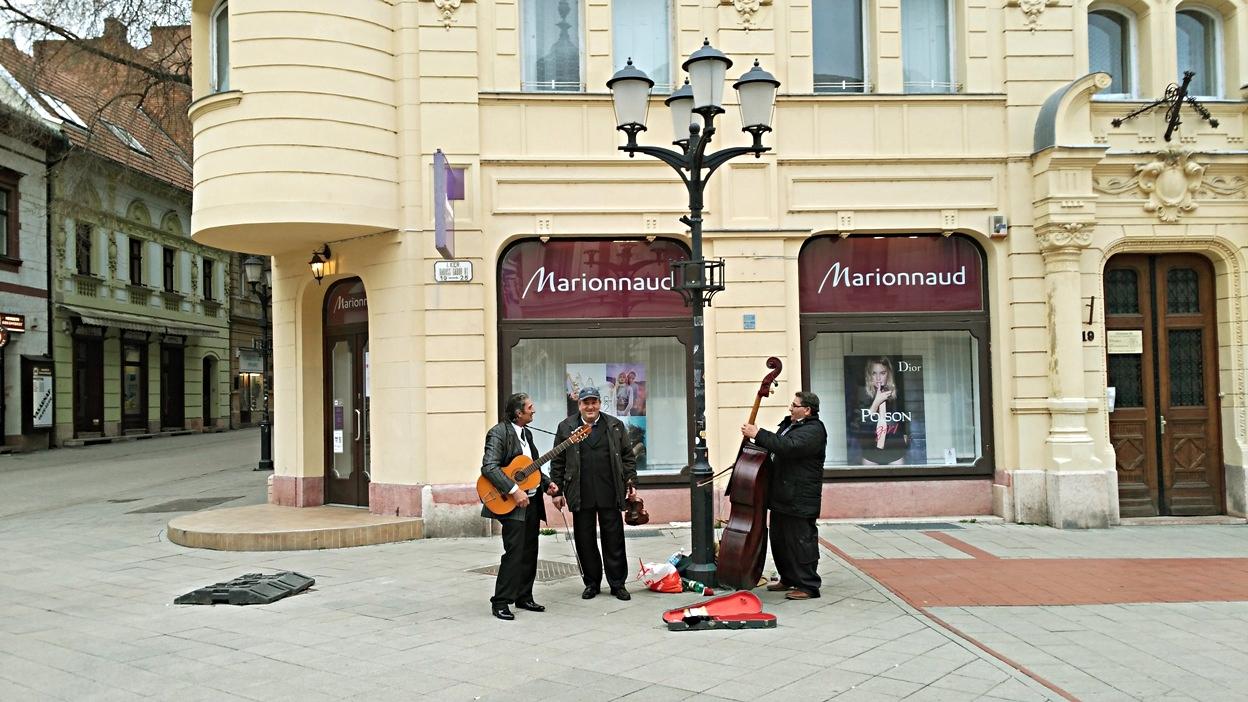 pubtourist_győr_street_musicians