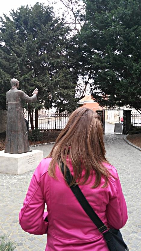 pubtourist_apor_vilmos_statue_győr_krisztina