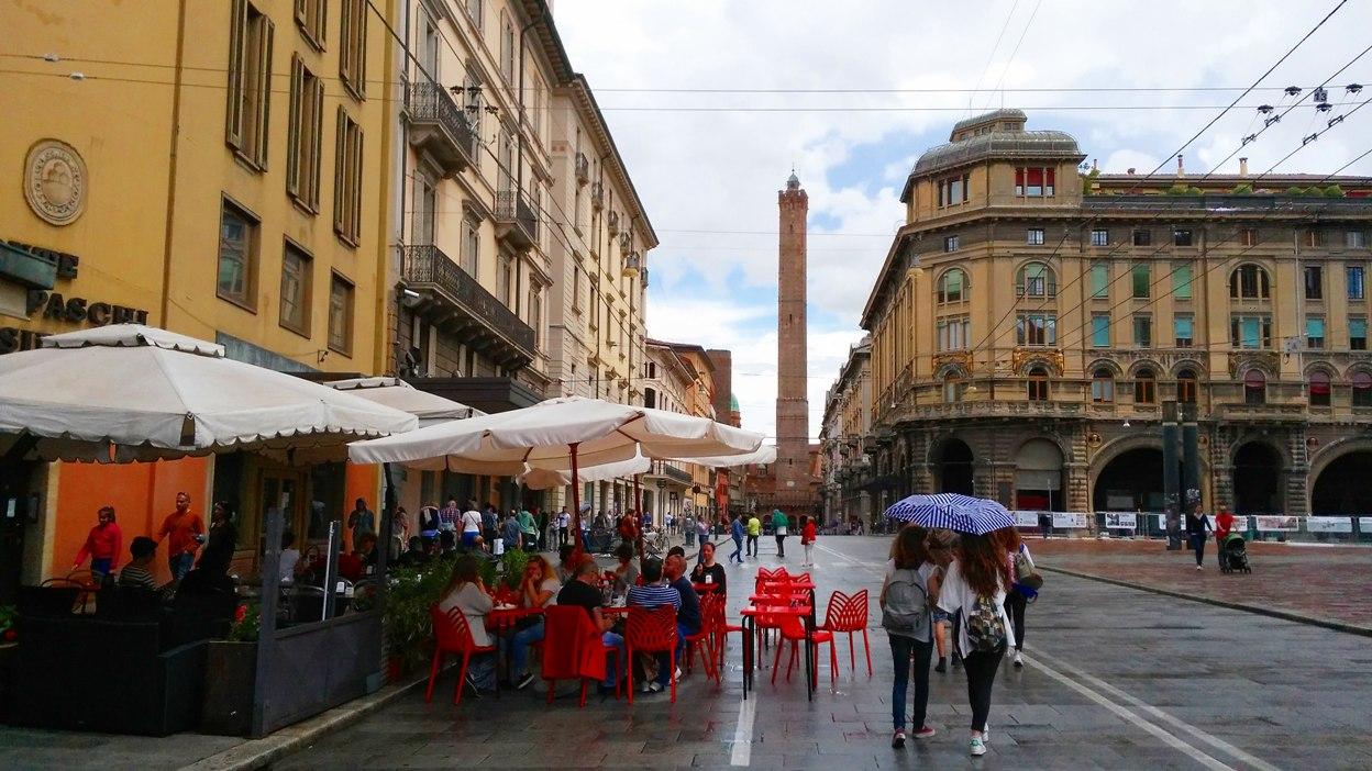 pubtourist_bologna_asinelli