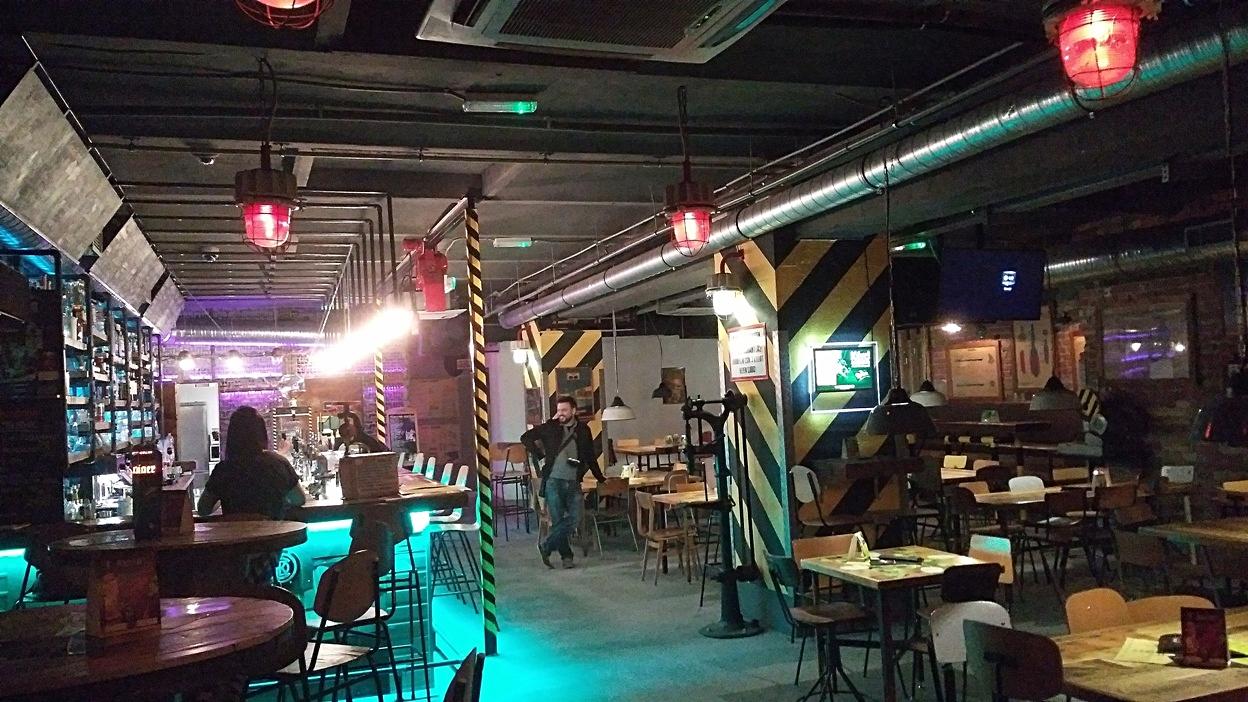 The interior of Műhely Pub, Budapest - Pubtourist
