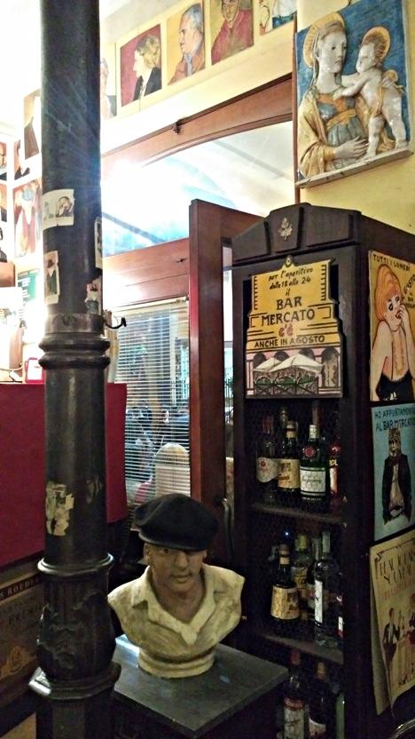 The sacred artistic objects of Bar Mercato, Bologna - Pubtourist