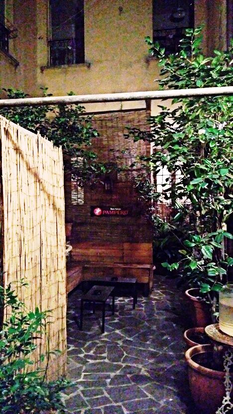 The small garden in Bar Mercato, Bologna - Pubtourist