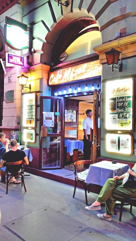 The entrance of Mézes Pub Budapest