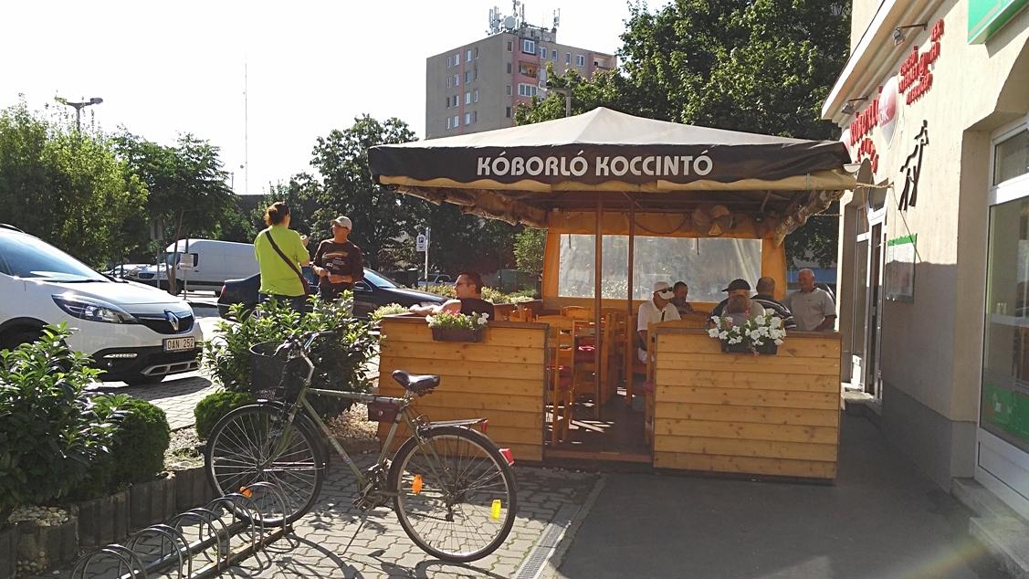 Koborló Koccintó in daylight, Siófok - Pubtourist
