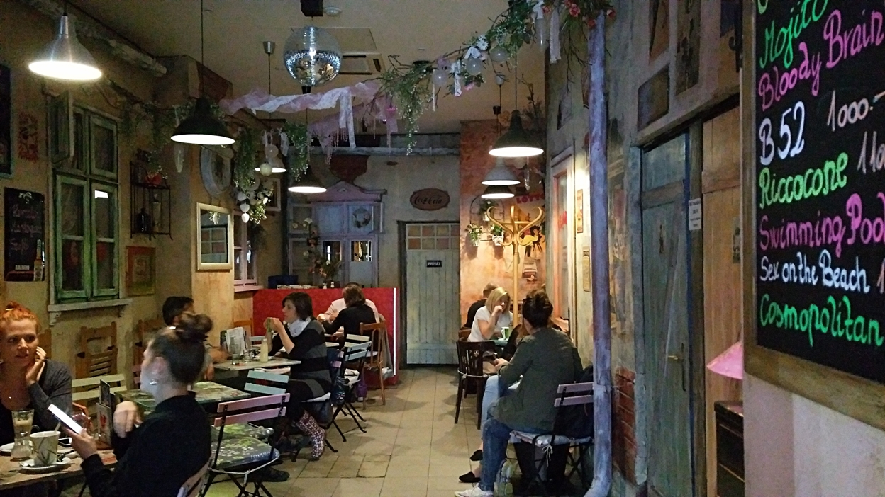 The vintage style back room of Megálló, Budapest - Pubtourist