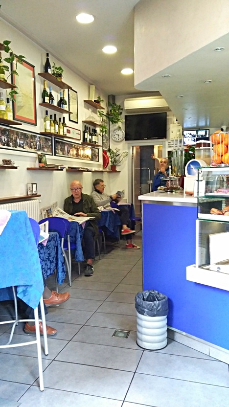 The insides of Mio Bar, Bologna - Pubtourist