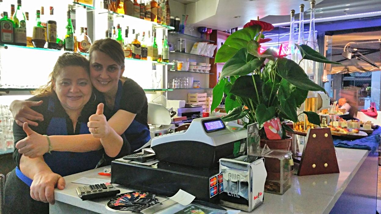Maria and Francesca in Mio Bar, Bologna - Pubtourist