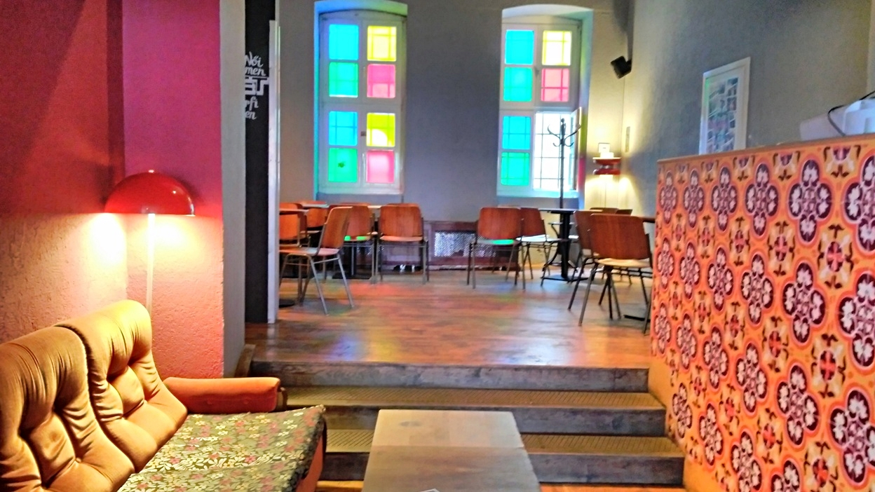 The cozy atmosphere of Nappali in Pécs