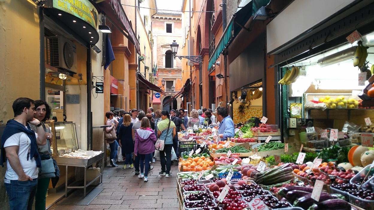 Via Pescherie Vecchie in Bologna - Pubtourist